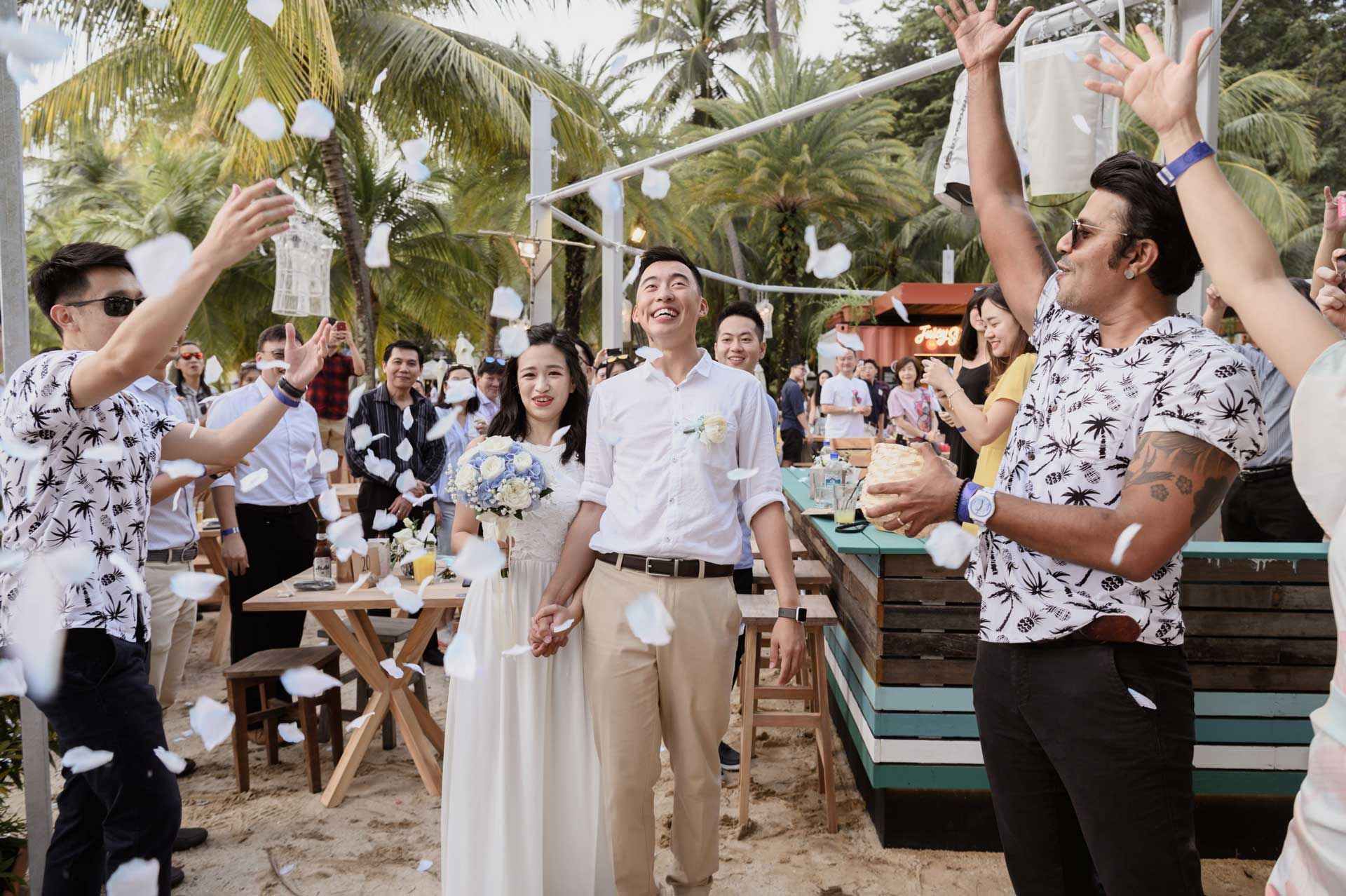 Aaron Meixian Beach Wedding Singapore
